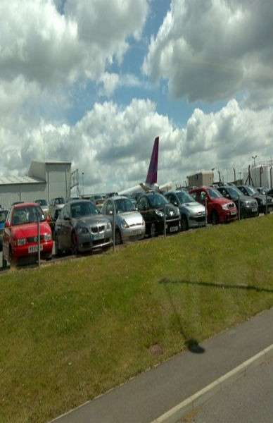 SkyParkSecure airport parking review
