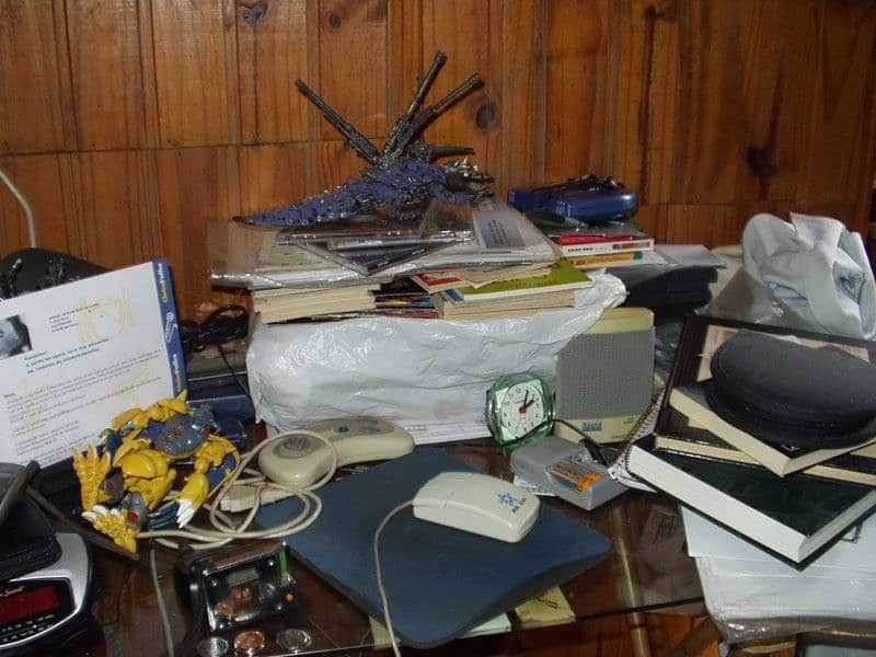 tips to declutter a room